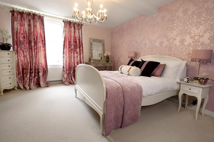 Boudoir Bedroom: classic Bedroom by Lothian Design