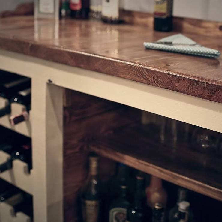 Atölye² Design – Pesante Bar: rustik tarz tarz Yemek Odası