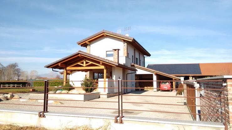 Casas modernas por Roberta Bonavia Architetto