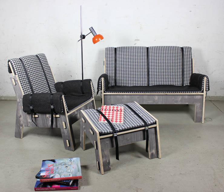 por Werkhaus Design + Produktion GmbH Moderno Madeira Acabamento em madeira