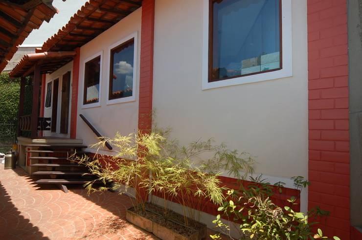 Casas de estilo  por Emmilia Cardoso Designers Associados