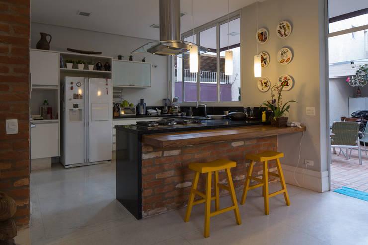 Cozinha : Cozinhas modernas por JAA Arquitetos
