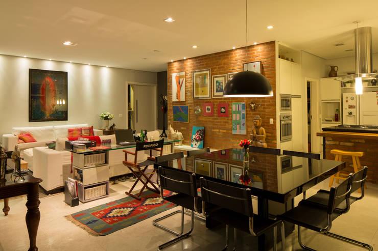 Salas de jantar e estar: Salas de jantar modernas por JAA Arquitetos