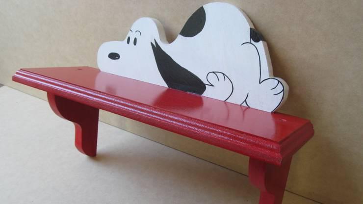 Repisa Roja con Snoopy : Arte de estilo  por Artesania Ikare