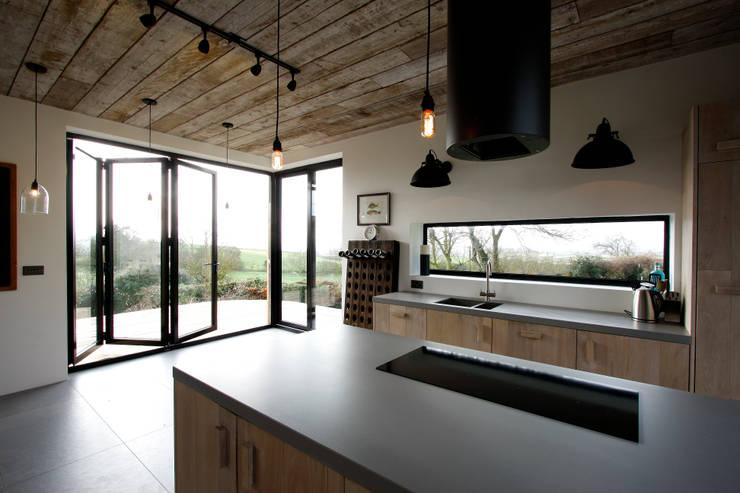 Eastington Lane:  Windows  by IQ Glass UK