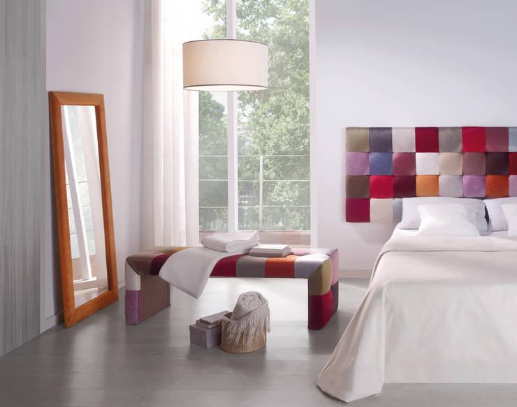 Dormitorios de estilo  por 1 TAPIZA S.L.