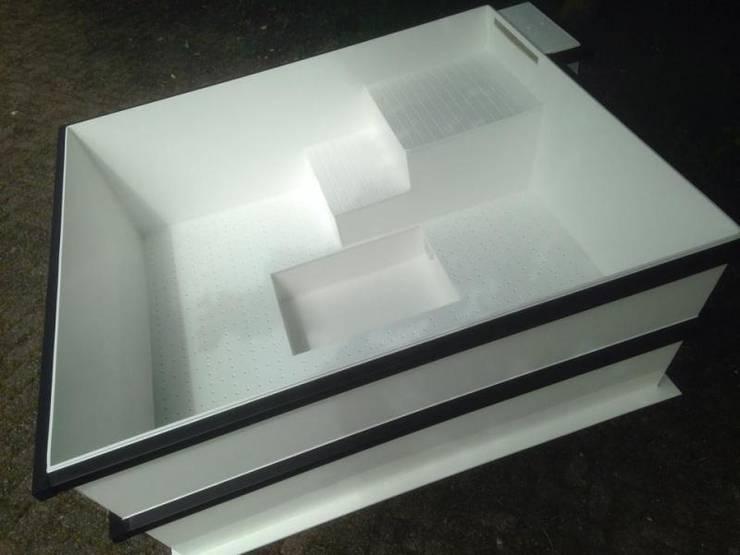 Custom-made plastic jacuzzi: modern  door TVR Kunststoffen BV, Modern Kunststof