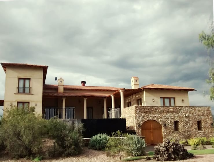 Vista Sur: Casas de estilo  por Azcona Vega Arquitectos
