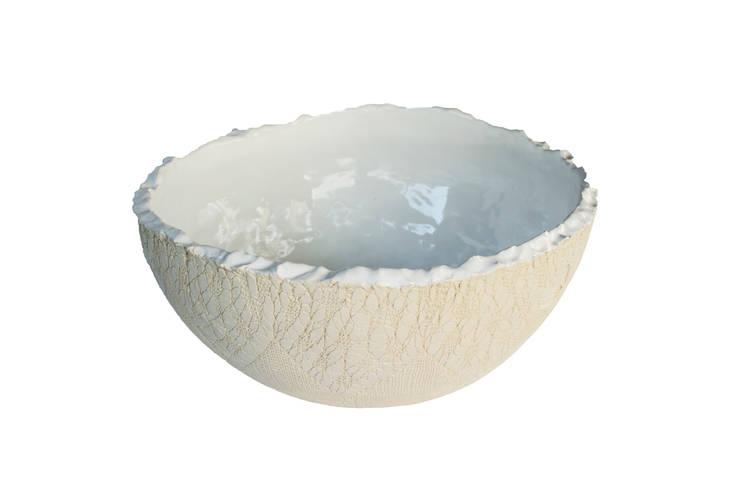 Cuba Bowl Renda Cru com Branco: Banheiro  por Atelier Daniele Drummond,