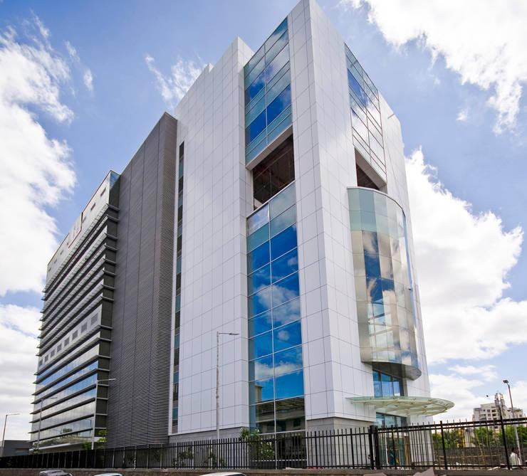 Hospitales de estilo  por Chaney Architects, Moderno