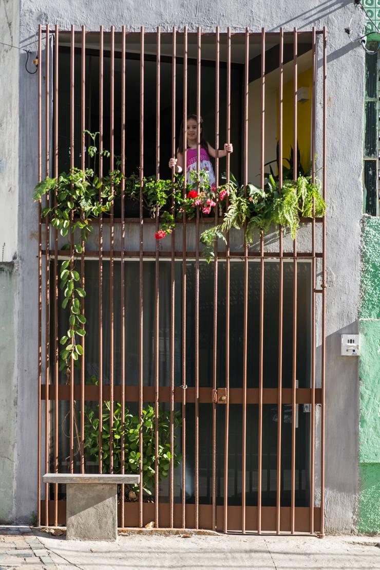 Дома в . Автор – MEIUS ARQUITETURA, Модерн