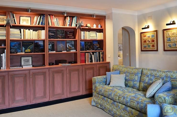 Salas de estar modernas por Studio Codebò Vergnano