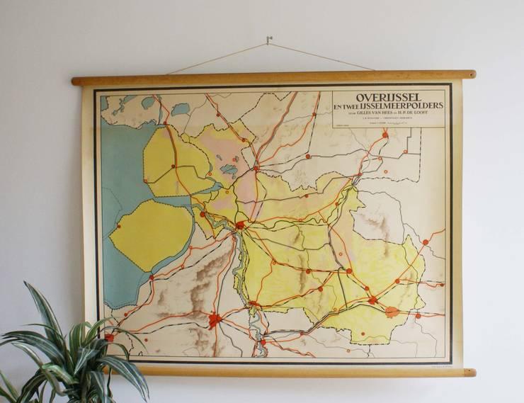 Vintage schoolplaat van Overijssel (Nederland). Oude retro landkaart :   door Flat sheep, Rustiek & Brocante