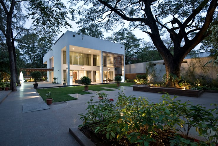 Private Residence, Koregaon Park, Pune:  Houses by Chaney Architects