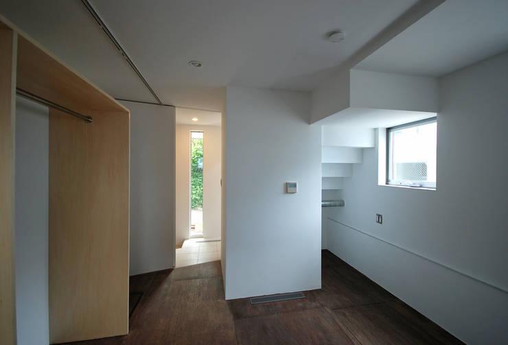 SUR都市建築事務所의  침실