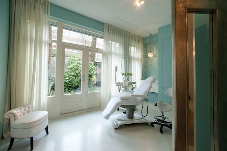 Beauty spa :  Winkelruimten door CVA Design, Modern