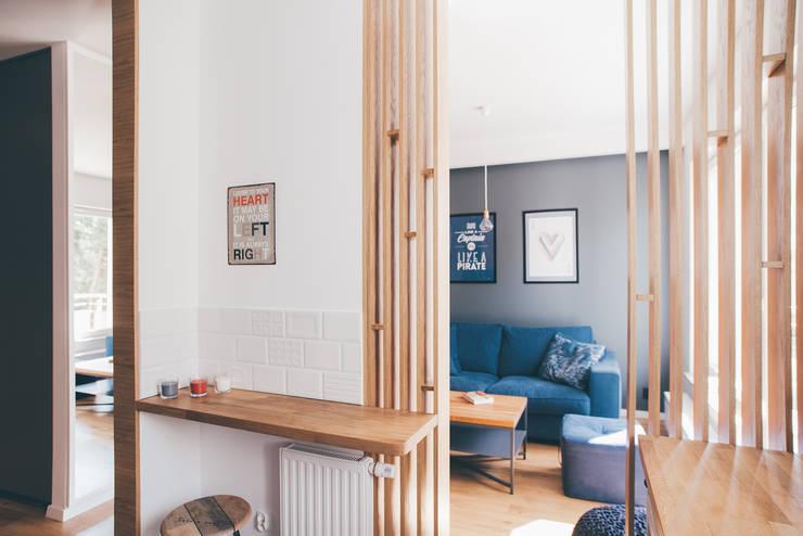 projekt aranżacji apartamentu w Gdyni: styl , w kategorii Kuchnia zaprojektowany przez em2