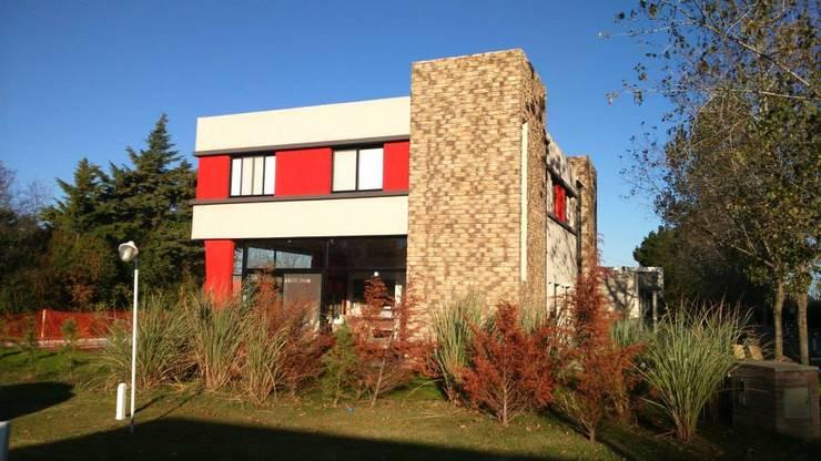CASA CSHA: Casas de estilo  por DS Arquitectos