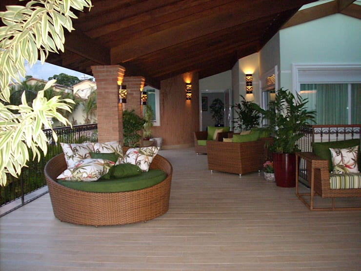 Piscinas, Terraços e áreas de lazer: Terraços  por MBDesign Arquitetura & Interiores