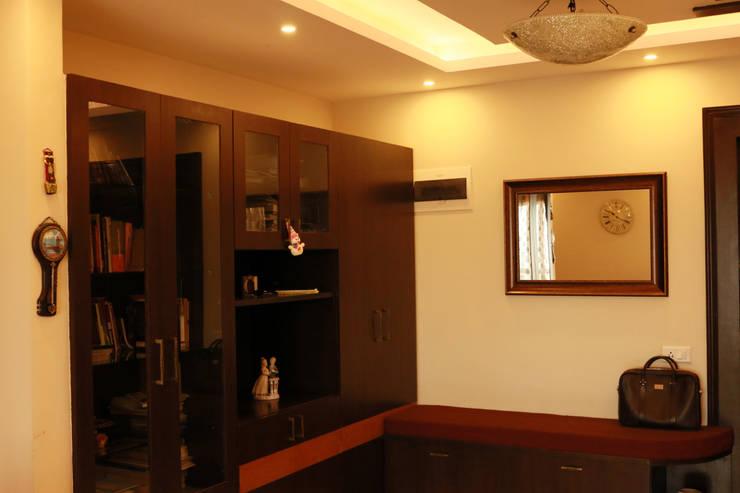 Project in Bangalore:  Corridor & hallway by Innover Interior Designs