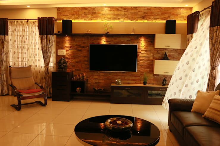 Project in Bangalore: classic Living room by Innover Interior Designs
