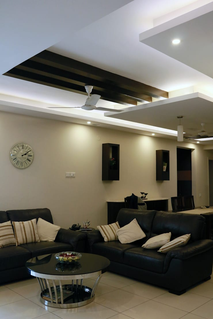 Project in Bangalore: classic Dining room by Innover Interior Designs