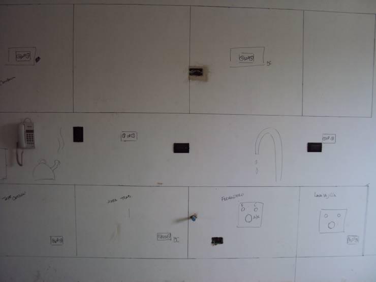Replanteo de Plomeria y Electricidad en Cocina:  de estilo  por Complementi Centro Decorativo