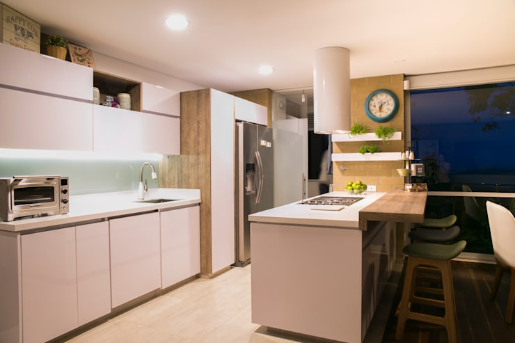Fabricación diseño y decoración de Cocina: Cocina de estilo  por Cristina Cortés Diseño y Decoración