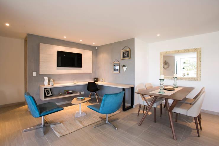 Sala de Tv:  de estilo  por Cristina Cortés Diseño y Decoración , Moderno