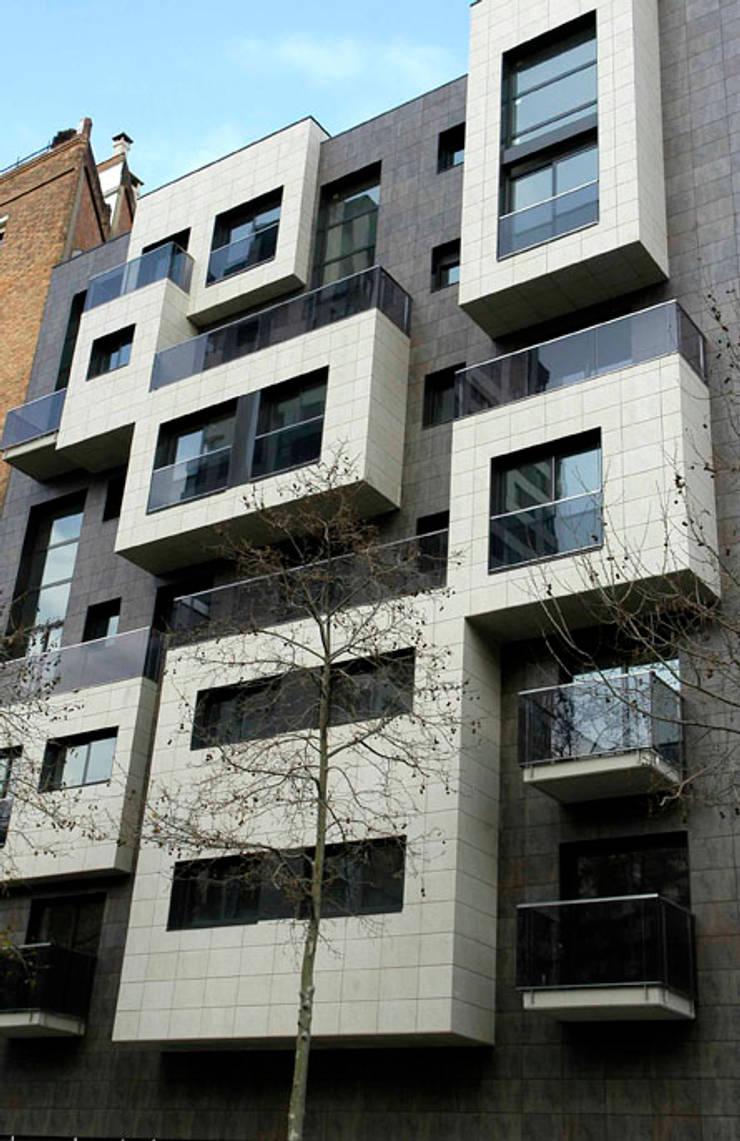 Diagonal 98 - Junto con ABAA Arquitectes Associats SL: Casas de estilo  por Pablo Anzilutti | Arquitecto