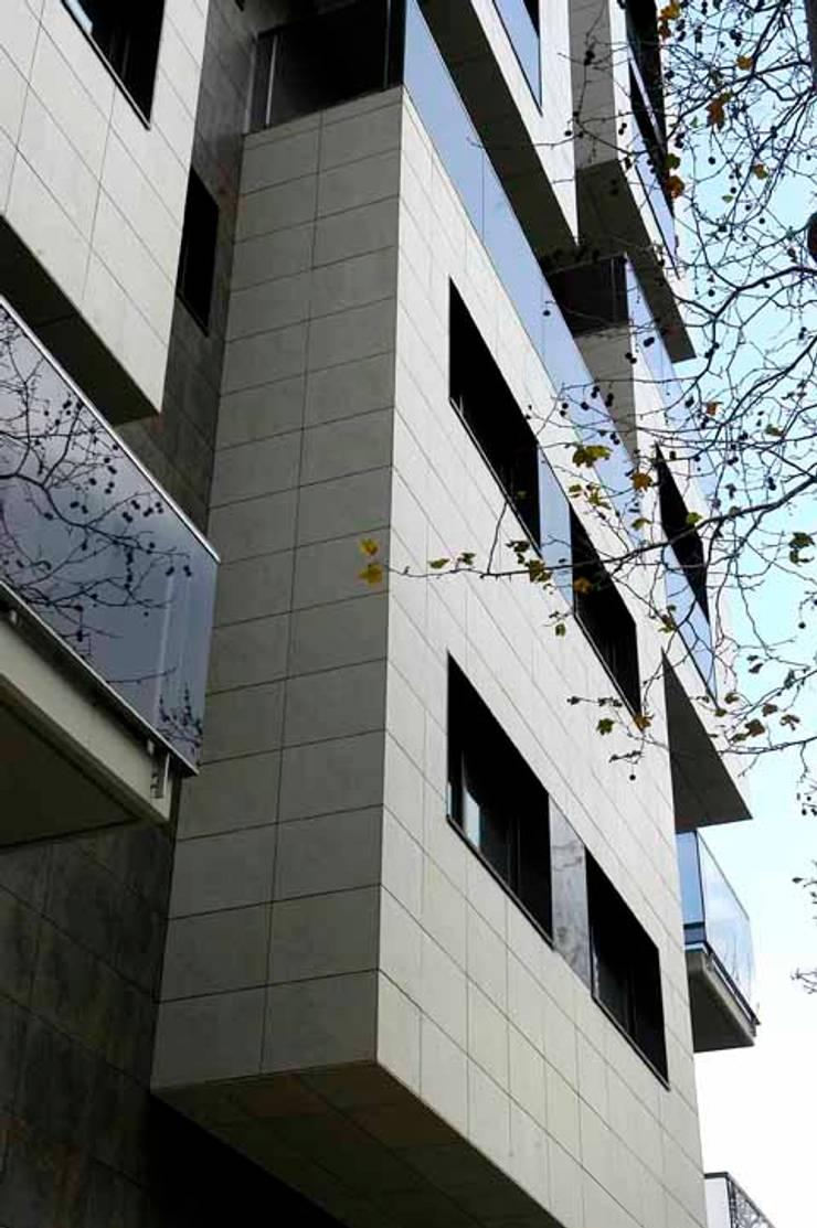 Diagonal 98 – Junto con ABAA Arquitectes Associats SL: Casas de estilo  por Pablo Anzilutti | Arquitecto