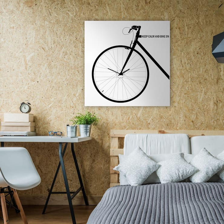 BIKE CLOCK: Casa in stile  di dESIGNoBJECT.it