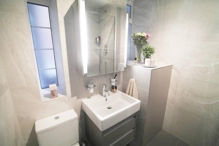 Banheiros  por Patience Designs