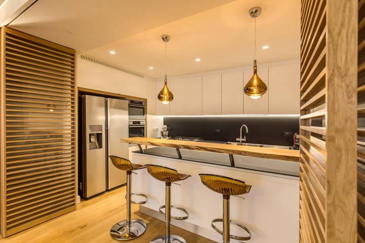 moderne Keuken door MOB ARCHITECTS