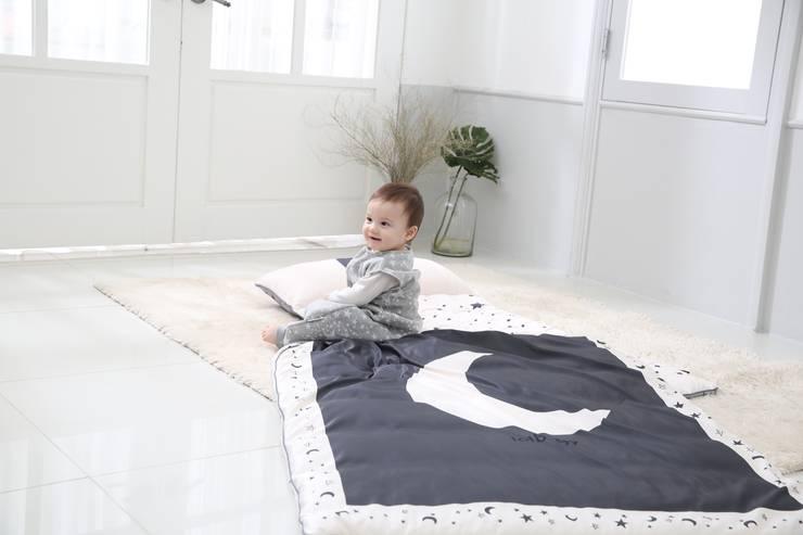 롤베이비낮잠이불: 롤베이비의  아이 방