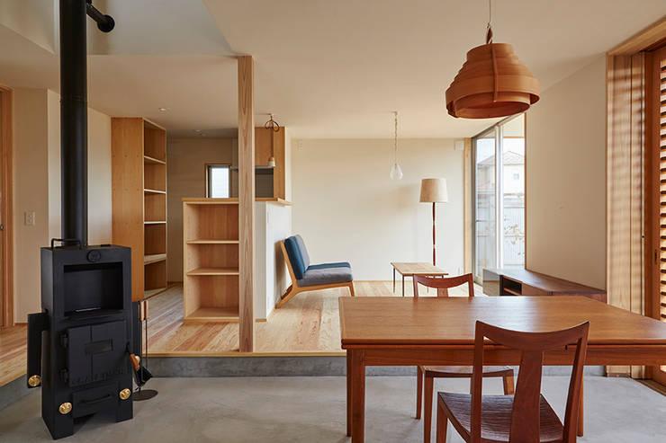 Ruang Keluarga by 一級建築士事務所co-designstudio
