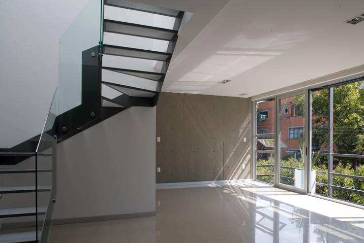 aCA-50 Finished Work: Paredes de estilo  por CoRREA Arquitectos