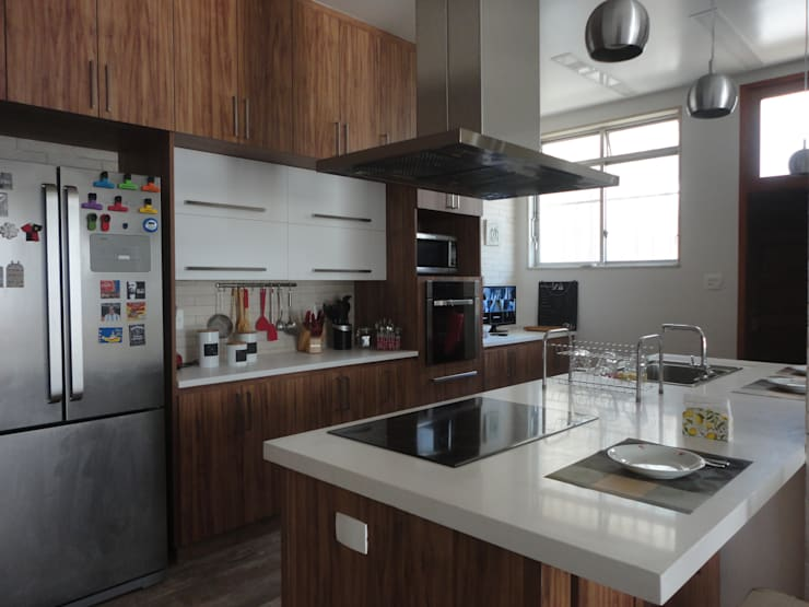 Cocinas de estilo  de Maria Helena Torres Arquitetura e Design
