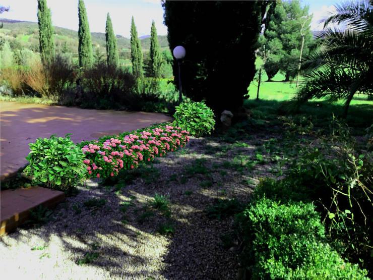 AYTÜL TEMİZ LANDSCAPE DESIGN – İTALYA 'TOSKANA-PEYZAJ PROJE &UYGULAMA // ITALY 'TUSCANY - LANDSCAPE PROJECT&APPLICATION: rustik tarz tarz Bahçe