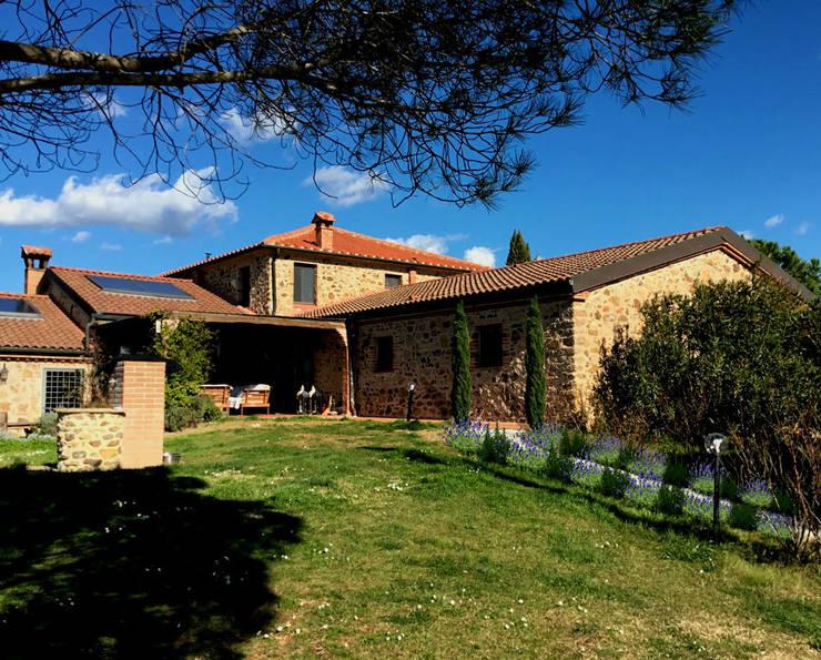 AYTÜL TEMİZ LANDSCAPE DESIGN – İTALYA 'TOSKANA-PEYZAJ PROJE &UYGULAMA // ITALY 'TUSCANY – LANDSCAPE PROJECT&APPLICATION:  tarz Bahçe, Rustik