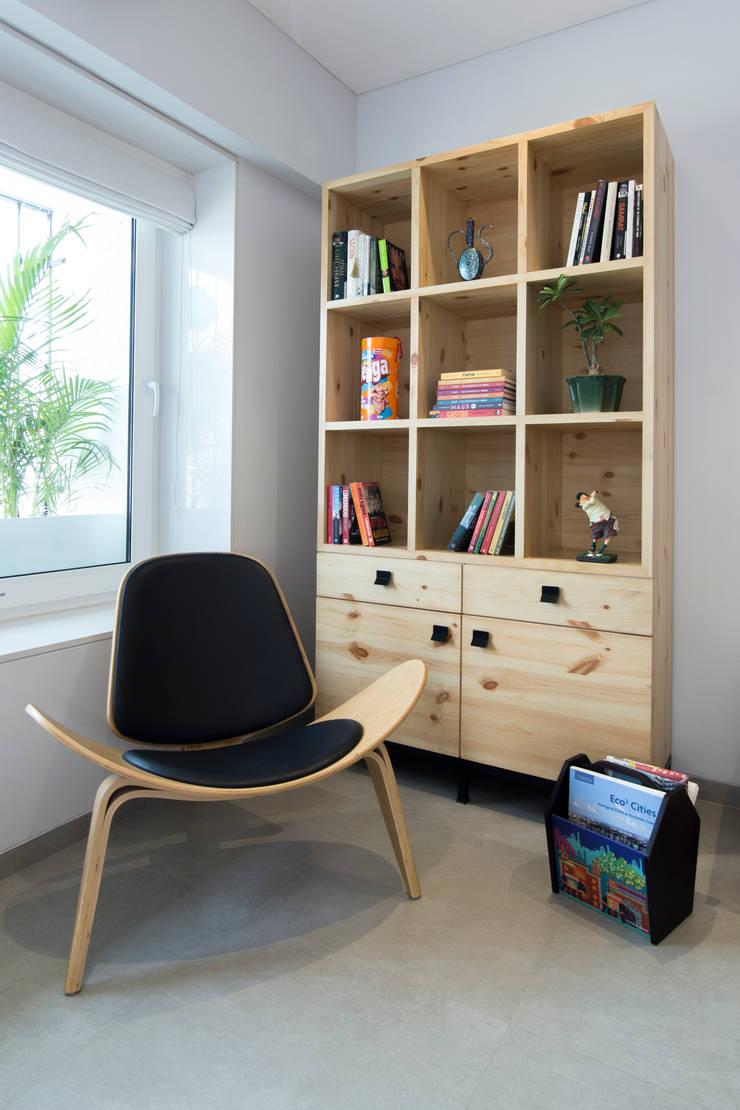 Residential—Lower Parel:  Living room by Nitido Interior design