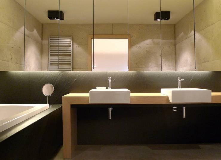 Banheiros modernos por seweryn pracownia