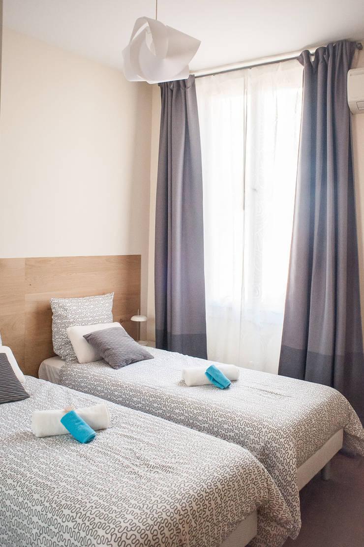Home Staging – Cannes: Chambre de style  par B.Inside