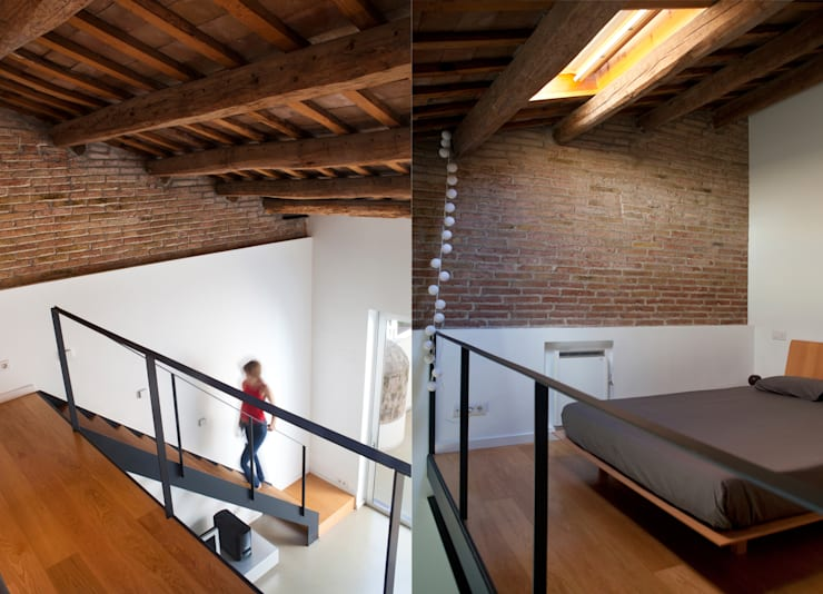 Escalera/dormitorio: Dormitorios de estilo  de CABRÉ I DÍAZ ARQUITECTES