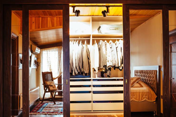 Bilgece Tasarım – Mekan Tasarımı:  tarz Giyinme Odası