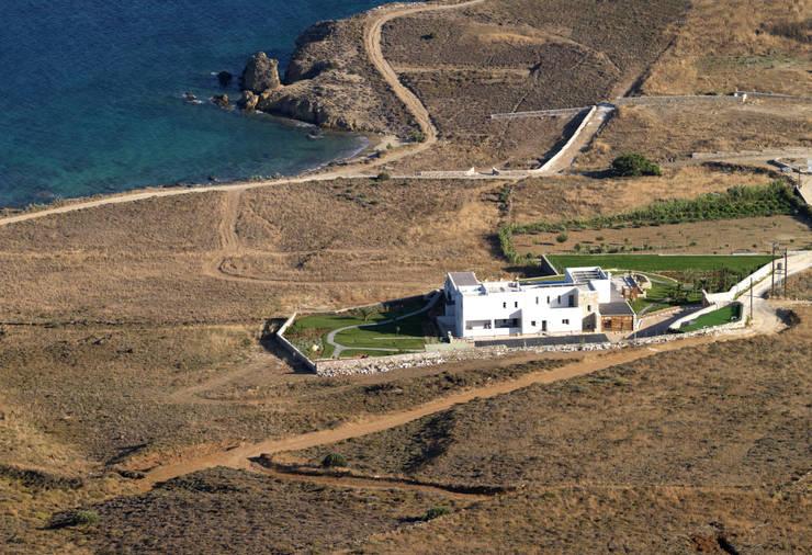 Maisons de style de style Méditerranéen par CARLOS EDUARDO DE LACERDA ARQUITETURA E PLANEJAMENTO LTDA.