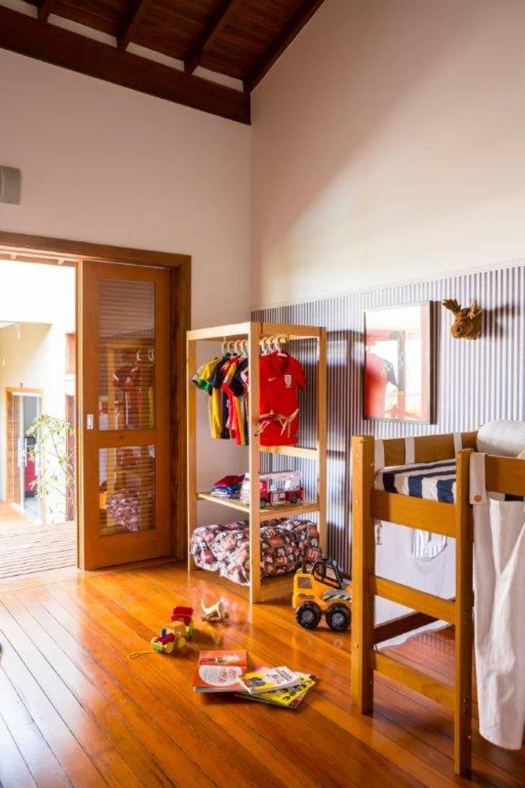 Nursery/kid's room by Flavio Vila Nova Arquitetura, Modern