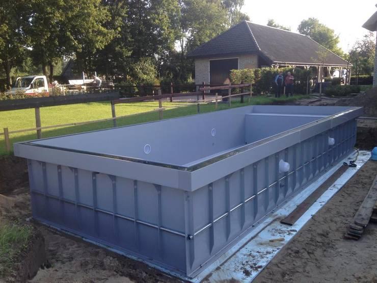modern Pool by TVR Kunststoffen BV