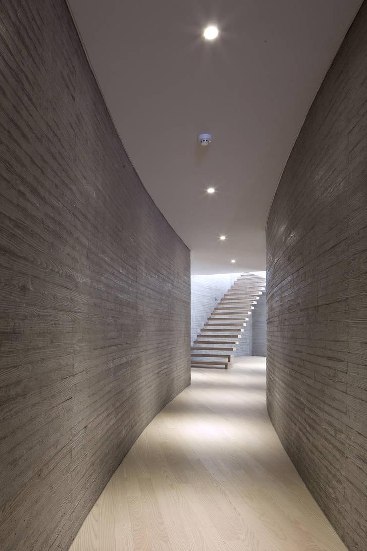 송도주택: 아키텍케이 건축사사무소의  와인 보관