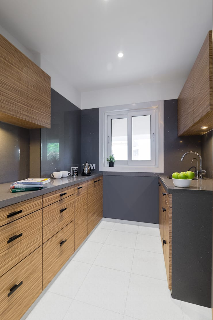 Commercial—Khar: minimalistic Kitchen by Nitido Interior design
